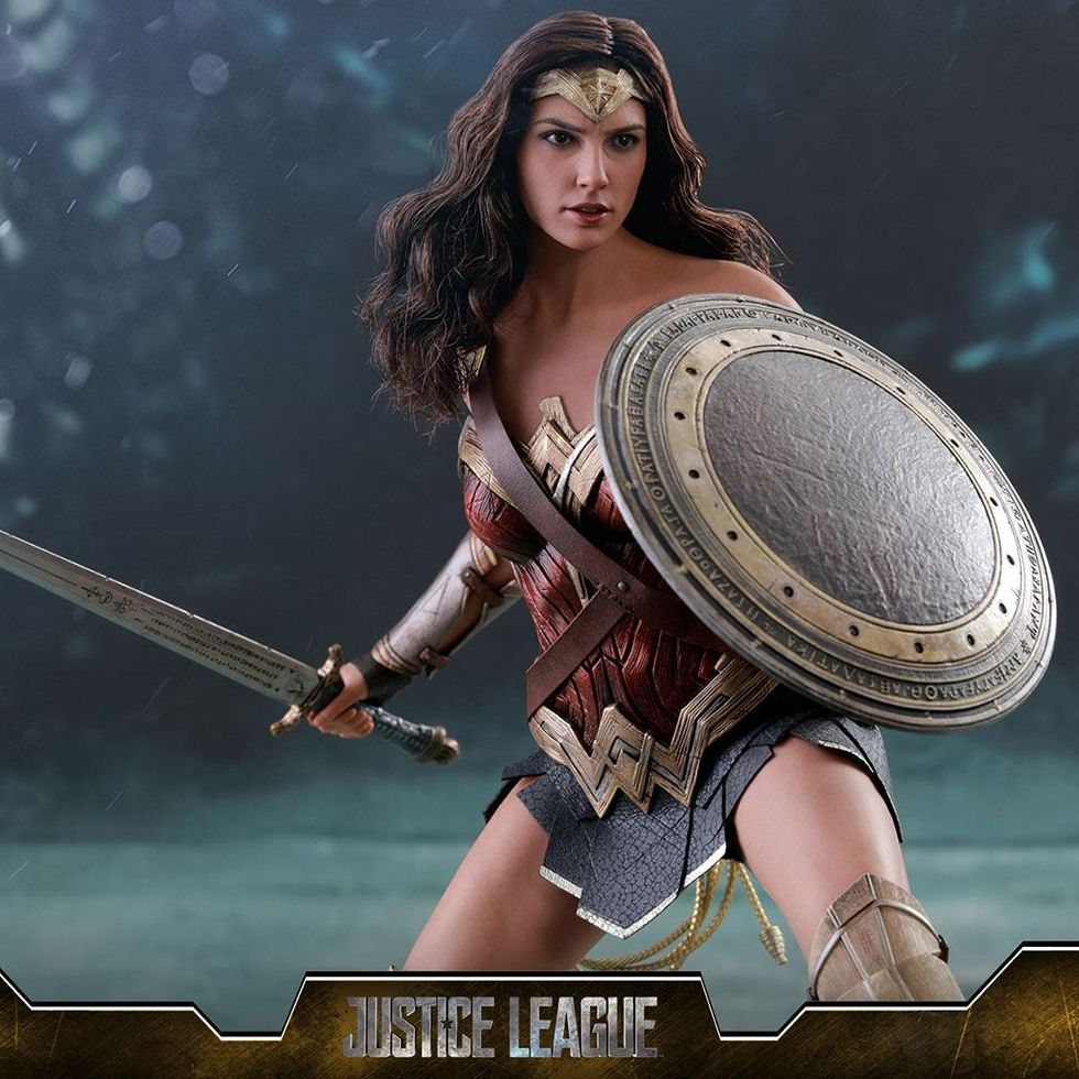 figurine hot toys wonder woman justice league derivstore