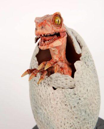 Statuette Raptor Hatchling